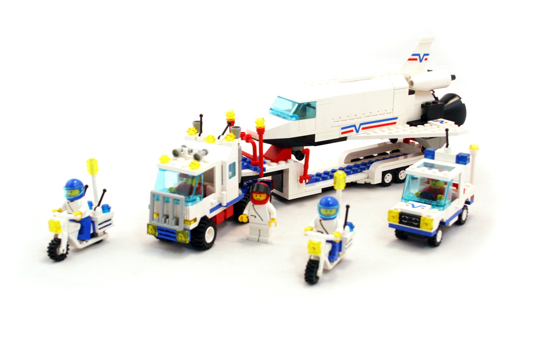 Shuttle Launching Crew - LEGO set #6346-1