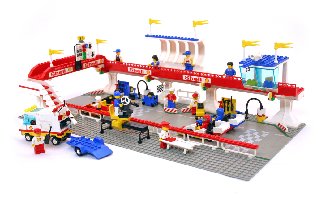 Victory Lap Raceway - LEGO set #6395-1