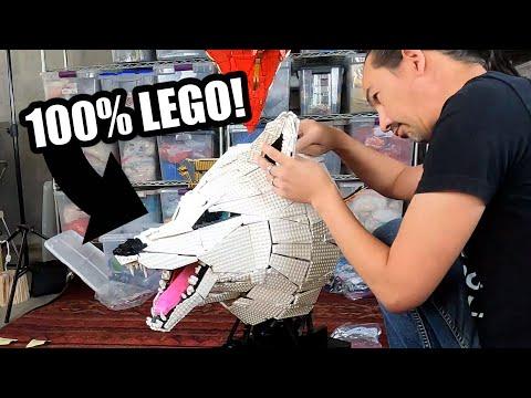 Building Amazing LEGO Wolf Sculpture (Timelapse)
