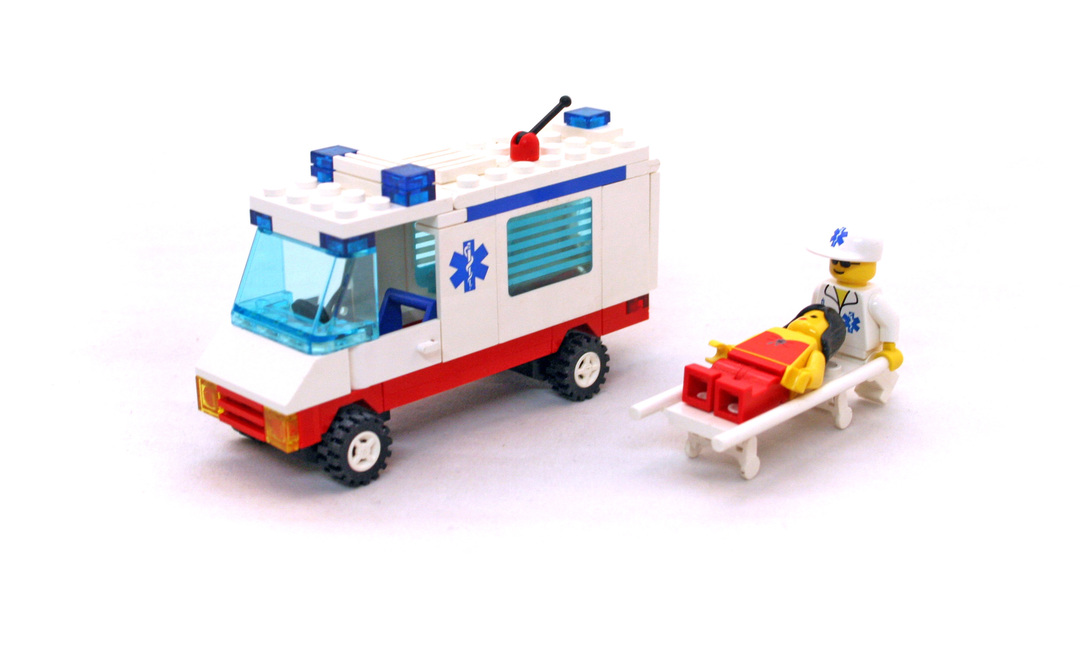 how to build a lego ambulance