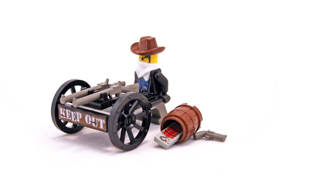 Bandit's Wheelgun - LEGO set #6791-1