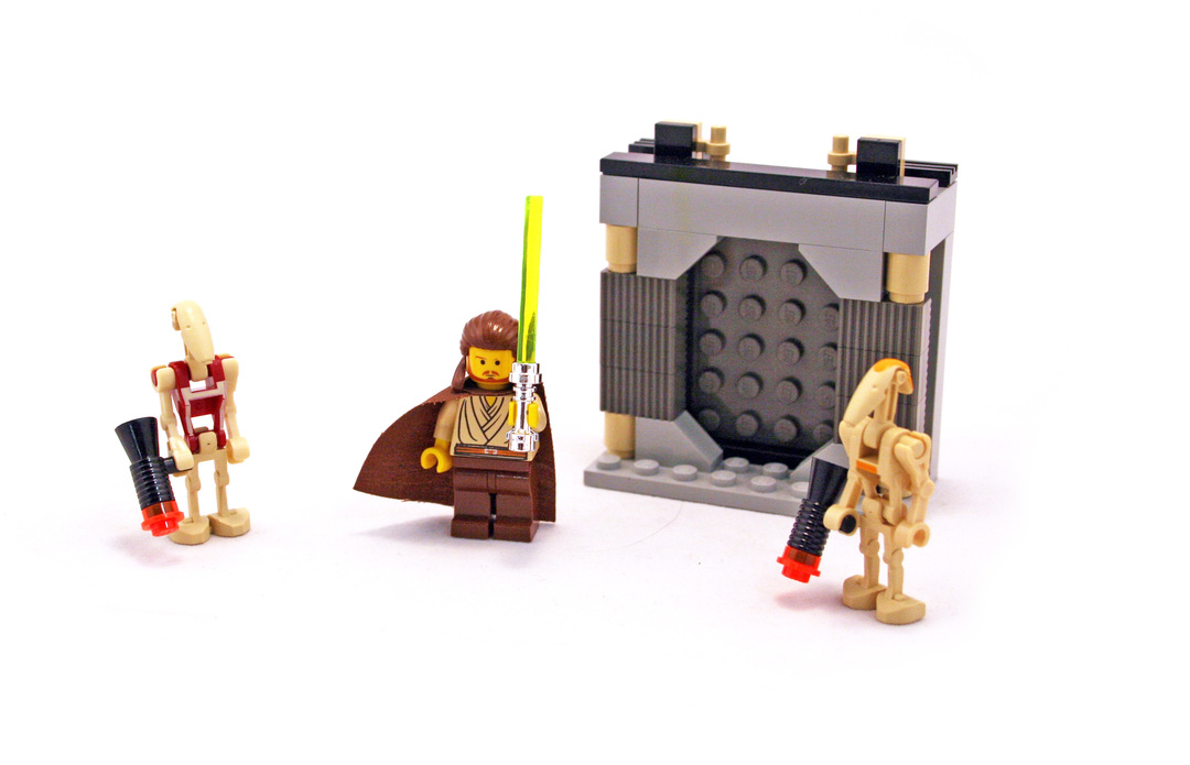 Jedi Defense II - LEGO set #7204-1
