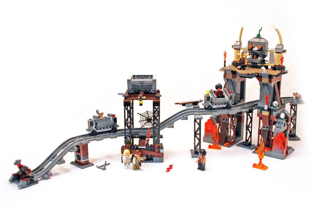 Darth Vader Transformation - LEGO set #7251-1 (Building ...