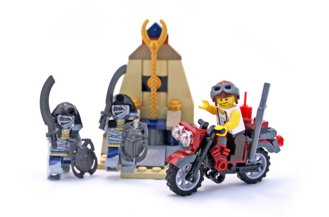 Golden Staff Guardians - LEGO set #7306-1 - 1
