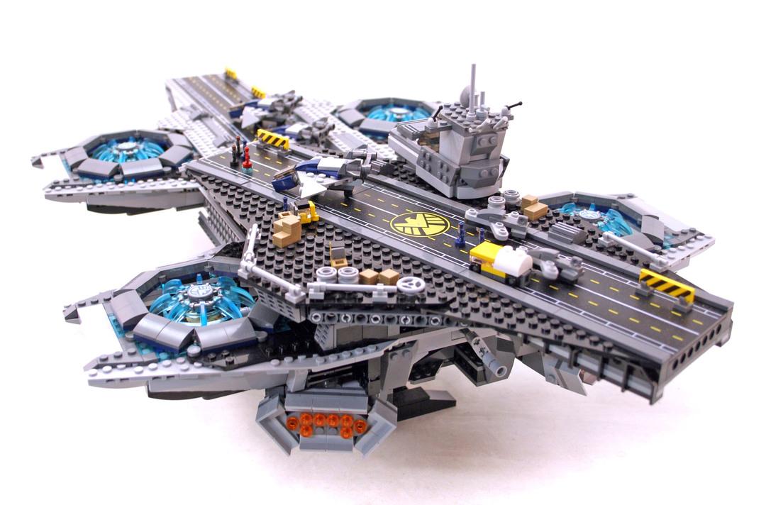 SHIELD Helicarrier - LEGO set #76042-1 (Building Sets ...