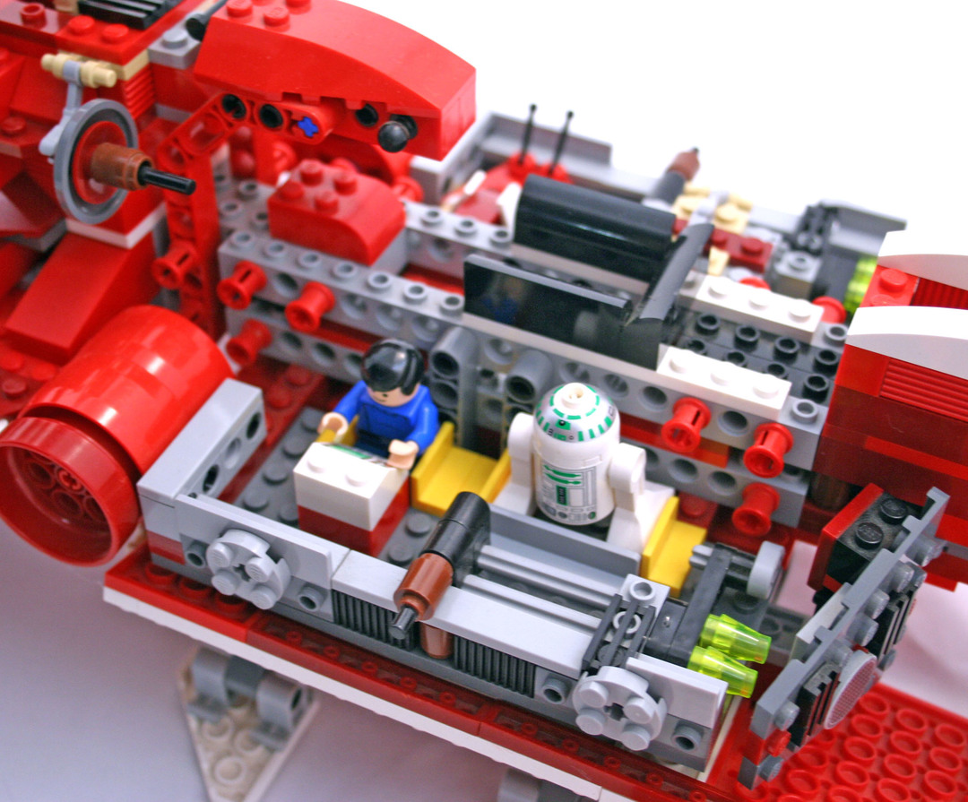 Republic Cruiser (Limited Edition - with R2-R7) - LEGO set ...