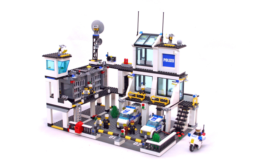 police headquarters lego set 7744 1 building sets city police. Black Bedroom Furniture Sets. Home Design Ideas