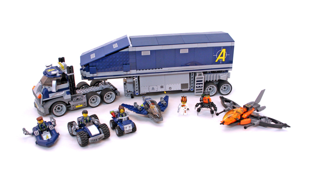 Mobile Command Center - LEGO set #8635-1