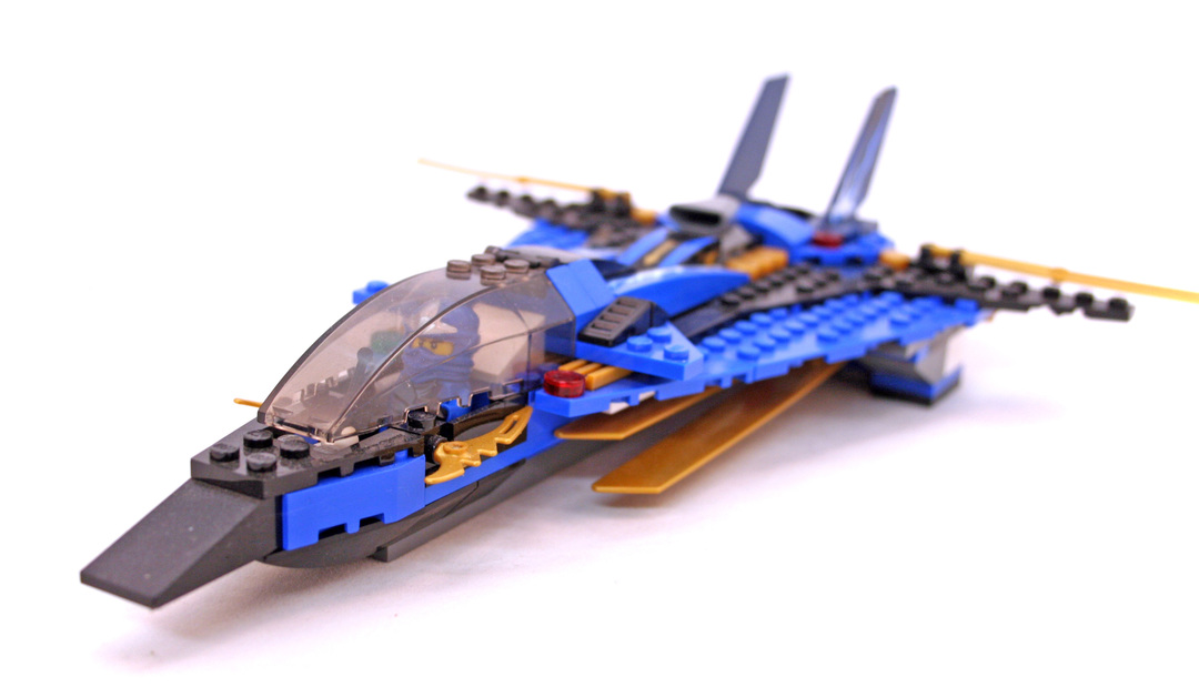 Jay's Storm Fighter - LEGO set #9442-1