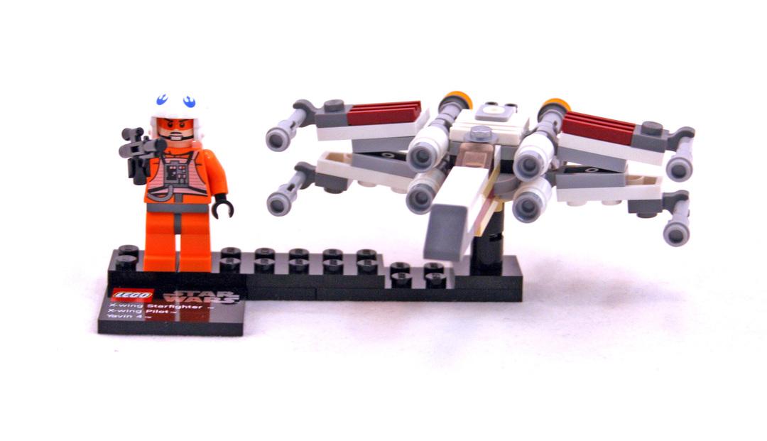 LEGO 9677-1 X-wing Starfighter & Yavin 4